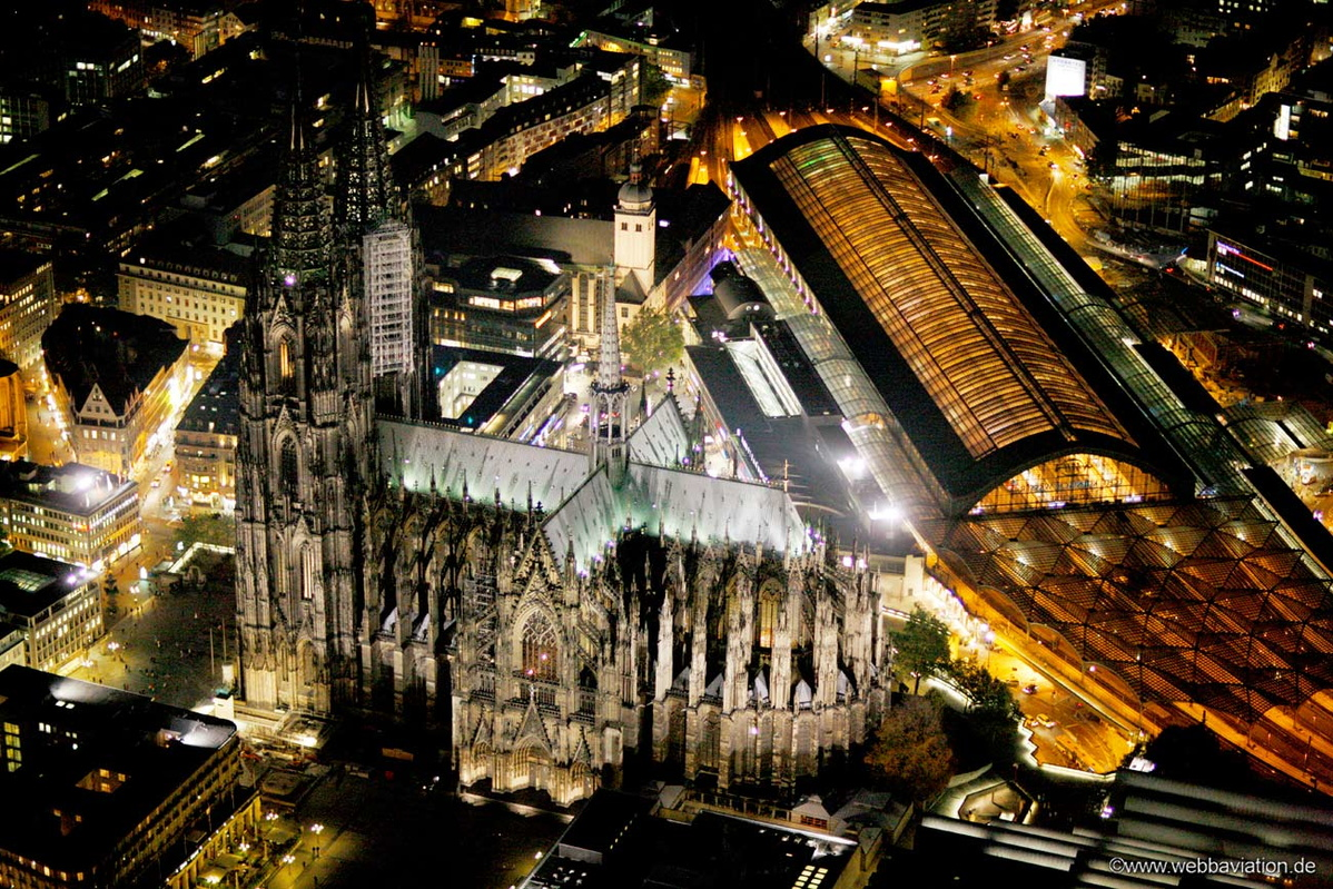 CologneCathedralNight-cb47437aa.jpg