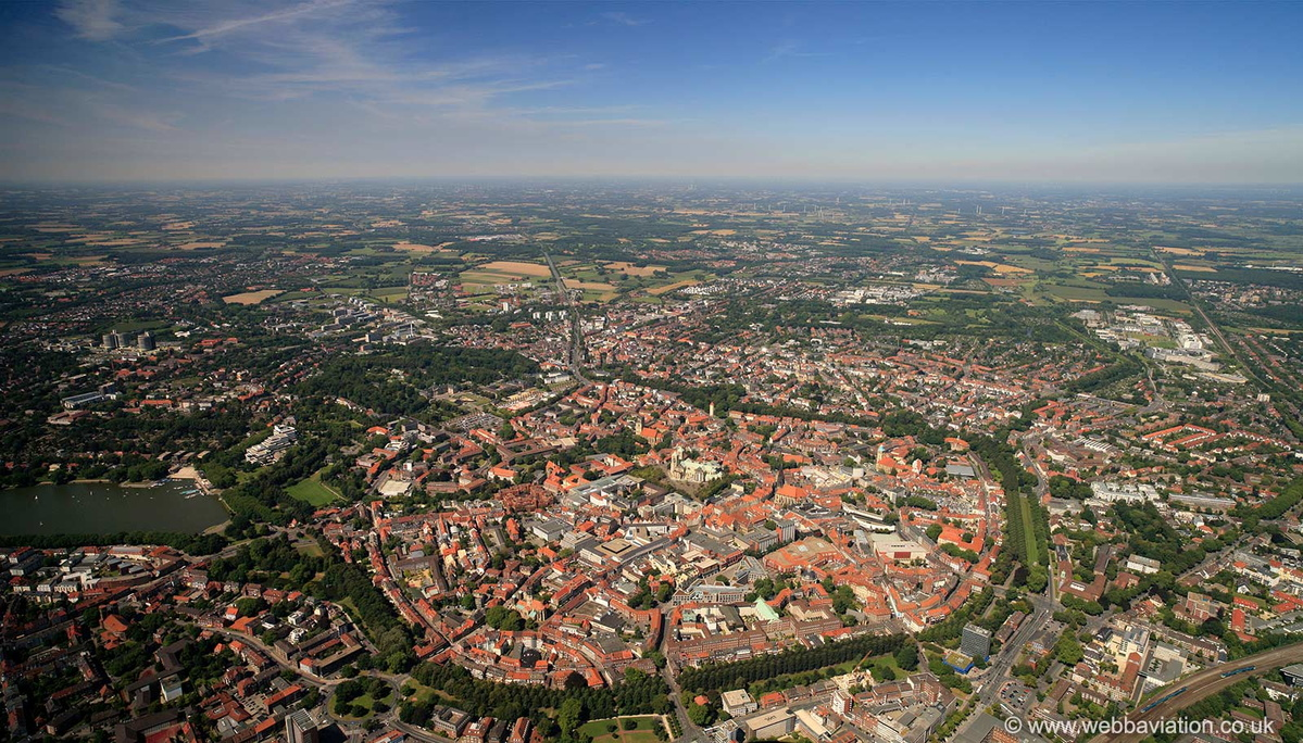 Muenster_Panorama_gb16148ap.jpg